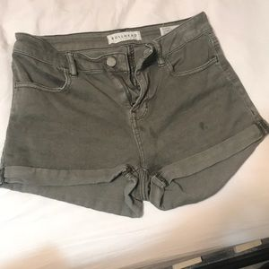 Pac Sun Bullhead Army Green Shorts Size 27